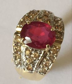 14KY Gold Ring with 2.6 ct Ruby and 0,94ct diamonds - US size 7.5 ***No reserve***