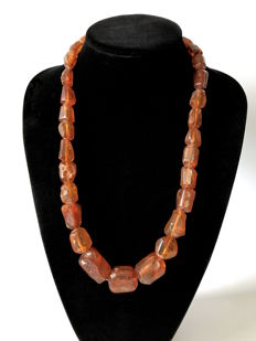 Art Deco necklace of natural Baltic Amber (not pressed, not treated), weight 90.7, from the Baltic region