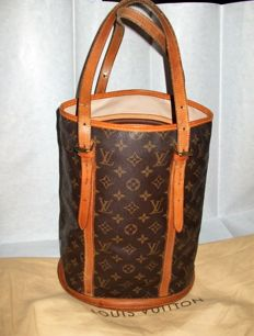 Louis Vuitton – Shoulder bag –  Bucket GM model