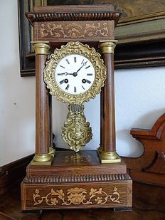 Mahogany - Column clock - France - 1834.
