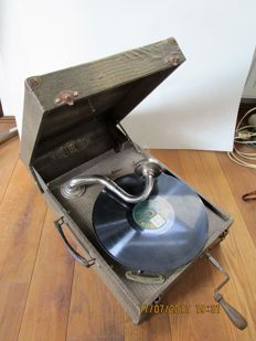EPL LE LUXE PHONIC - gramophone - very rare look with (artificial) snake leather surface