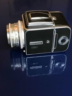 Hasselblad 500 C/M with accessories