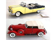 Franklin Mint - Scale 1/24 - Packard Convertible Sedan 1934 - Red & Pontiac Star Chief 1955 with Certificates