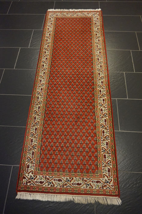 Magnificent hand-woven oriental palace carpet, Sarouk Mir, 72 x 210 cm, made in India, excellent highland wool