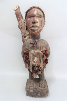Big African Fetish, Nkisi, nail statue - BACONGO - D.R. Congo
