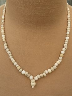 Near East - Beaded necklace with stone beads - 41 cm + 1.5 cm.