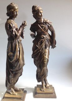 Adrien Étienne Gaudez (1845-1902) - Two fine bronze sculptures depicting an embroiderer and a musician - late  19th century