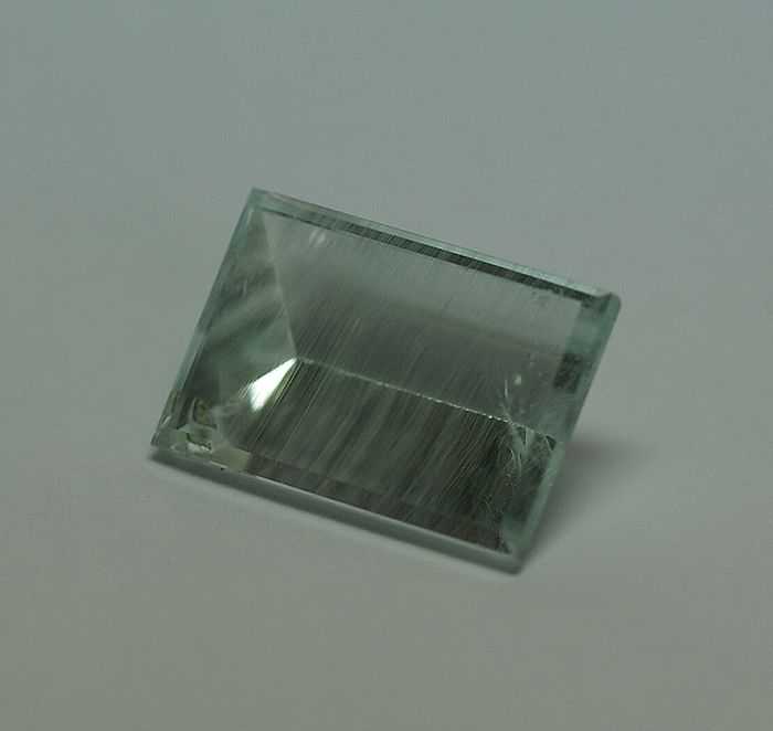Aquamarine – greenish-blue, 11.73 ct