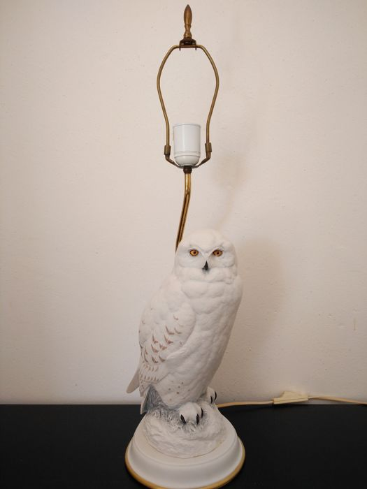 Franklin mint the snowy owl table lamp in biscuit porcelain franklin mint the snowy owl table lamp in biscuit porcelain aloadofball Choice Image