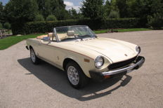 Fiat - 124 Spider 2000 fuel injection - 1982