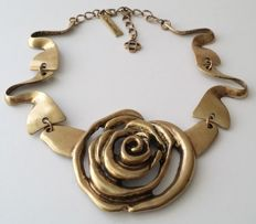 Oscar de la Renta Rose Flower Necklace