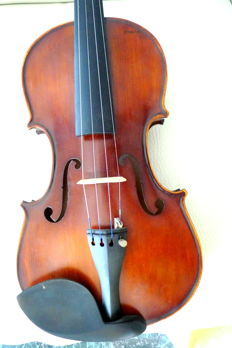 VIOLIN with its bow and case
