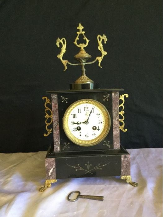 Complete mantel pendulum clock in marble France 1900