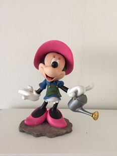 Disney, Walt - Figure - Minnie mouse with watering can (ca. 1980s/'90s)