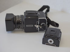Hasselblad 501C + C 80/2.8 Planar & A12 extra back (mint)