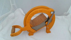 Raadvad - Original Danish Breadslicer