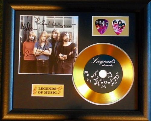 Pink Floyd Preprinted Autograph, Gold Disc & Plectrum Presentation