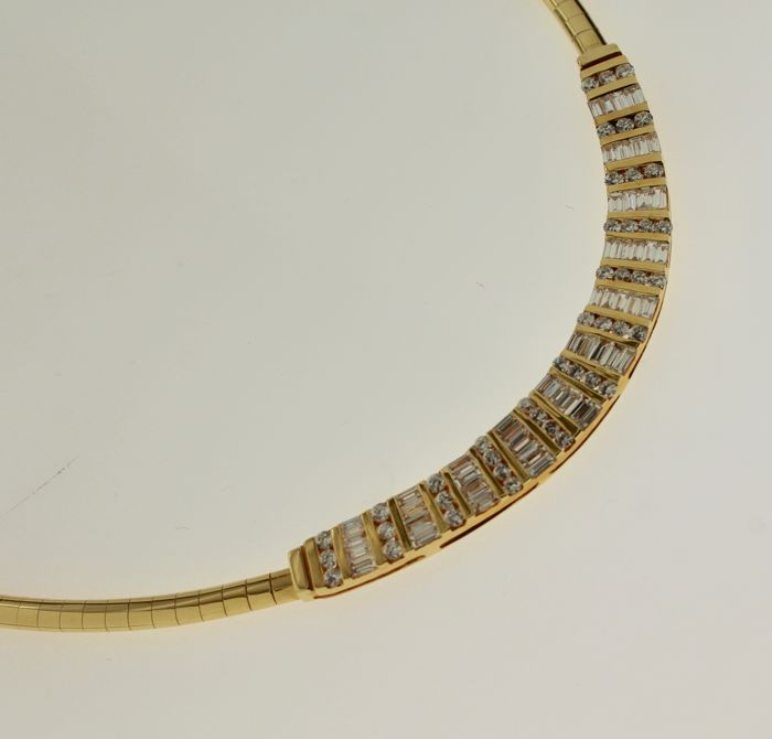 18 kt Yellow gold necklace inlaid with diamond, 2.80 ct, length: 42 cm
