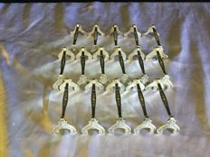 16 (11+5) silver plated knife holders, Gallia, France