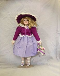 Miss Ashley Doll - Georgetown Collection - America