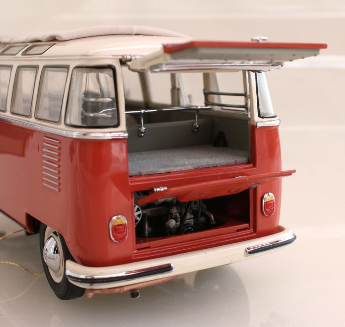 Franklin mint scale 124 vw bus microbus bulli 1962 volkswagen franklin mint scale 124 vw bus microbus bulli 1962 volkswagen and 1967 vw karmann ghia 1500 coupe with certificate publicscrutiny Image collections