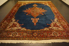 Nice, hand-knotted Persian carpet, Heris Heriz, plant colours, 280 x 340 cm, very good condition, cleaned