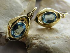 Handmade gold earrings with natural aquamarine. NO RESERVE PRICE
