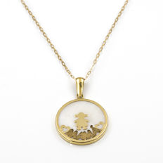 Yellow gold, 18 kt/750 – Chain and pendant with mother of pearl – Diameter: 20.55 mm