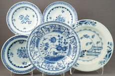 Porcelain plates - China - 18th century