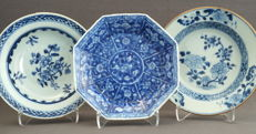 Collection of 3 plates – China – 18th century