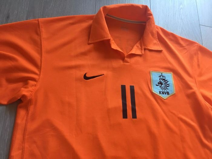 Legendary Dutch Team Worldcup 2006 signed by Robben.