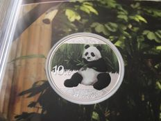 China - 10 Yuan 2017 'Panda' coloured edition - 30 g silver
