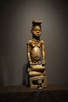 The rediscovered ndop of king Mbop a-Kyeen- KUBA - Congo (RDC)- 74 cm - 29 inch
