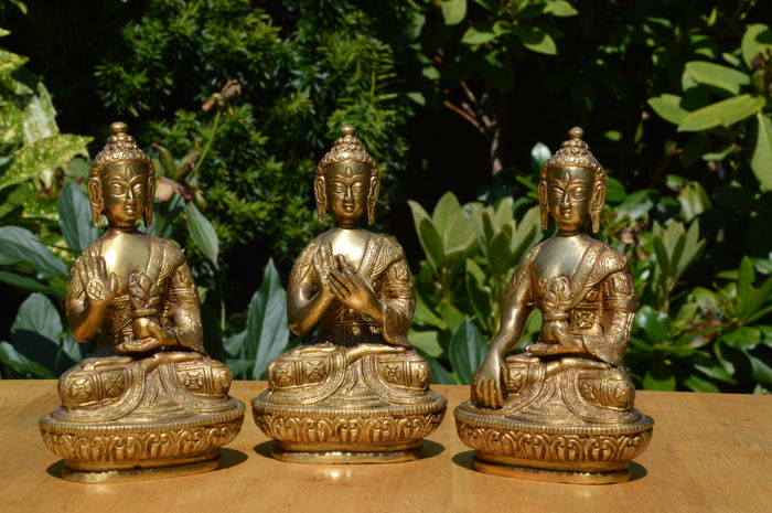 Set of three bronze Buddhas – Nepal – late 20th century