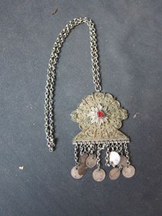 Solid silver tooled necklace - Afghanistan - 1st half 20th century