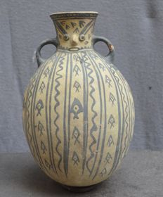 Pre Colombian, pot with with face on the neck and two ears, beautifully painted - 23.4 cm