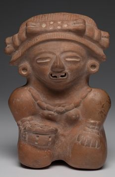 Pre-Columbian Classic Maya seated female figure holding a bowl - Mexico - ex museum piece - 17 cm