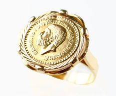 18 kt gold – Cocktail ring – Central coin not legal tender – Interior diameter 17.55 mm