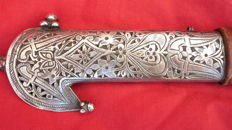 Beautiful dagger with silver grip - Middle East? - end of the 19th century