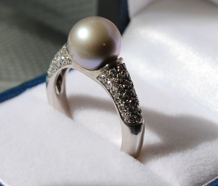 18k gold ring inlaid with diamonds and freshwater pearl - Ring size: 17.25