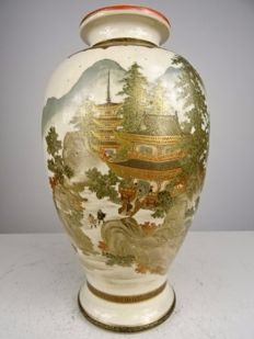 Finely painted Satsuma vase - Choshuzan - Japan - Late 19th/early 20th century (Meiji Period)