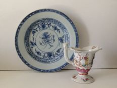 Famille-rose jug and blue plate – China – circa 1750