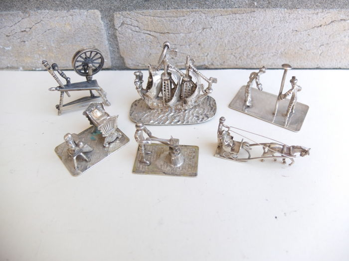 Lot Silver miniatures.