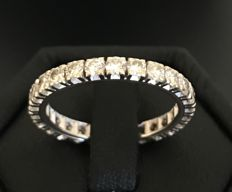 American eternity ring in 18 kt grey gold set with 26 brilliant-cut diamonds for a total of 1.3 ct – No reserve price