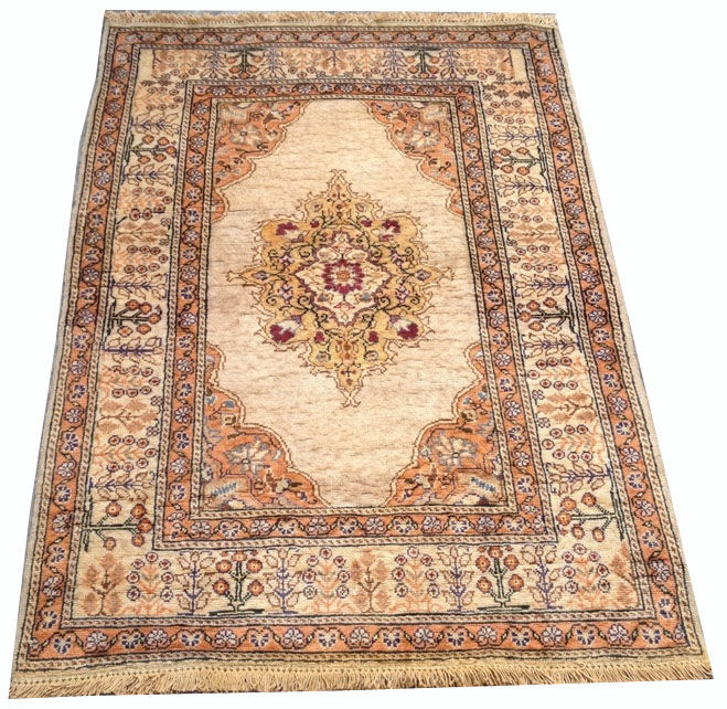 20th Century Turkish Silk Hand Knotted Area Carpet Rug 133 cm x 91 cm