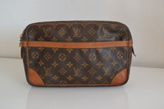 Louis Vuitton – Clutch bag.