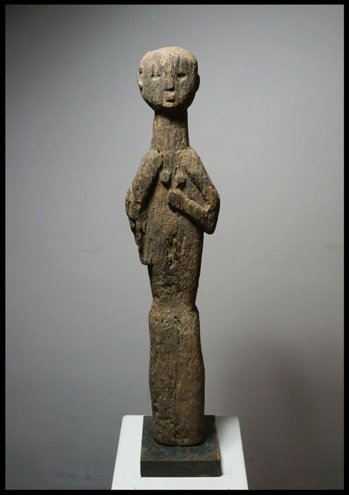 Female Figure / Benin / Togo