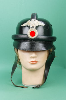 "Separate German ""N.S.K.K"" (Nationalsozialistisches Kraftfahrkorps) motorcycle helmet. Leather. Approx. 1933-1940"