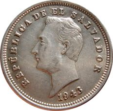 El Salvador – 25 silver cents.  Republic of El Salvador. 1943. Bus of Francisco Morazán.