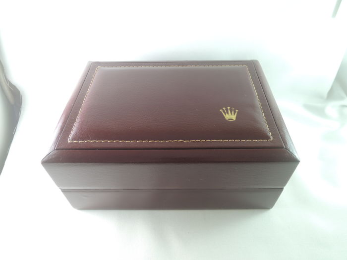 ROLEX - Unisex Datejust Burgundy Leather & Wood Box 53.00.01 - 1980